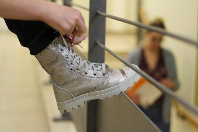 נעלי פלדיום כסופות