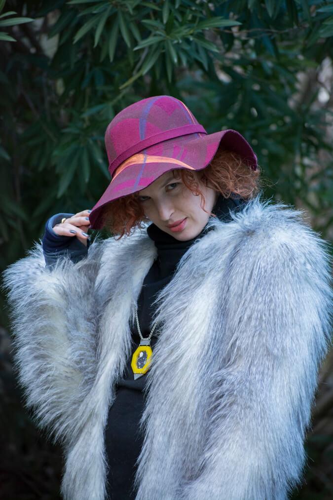 כובע ומעיל פרווה