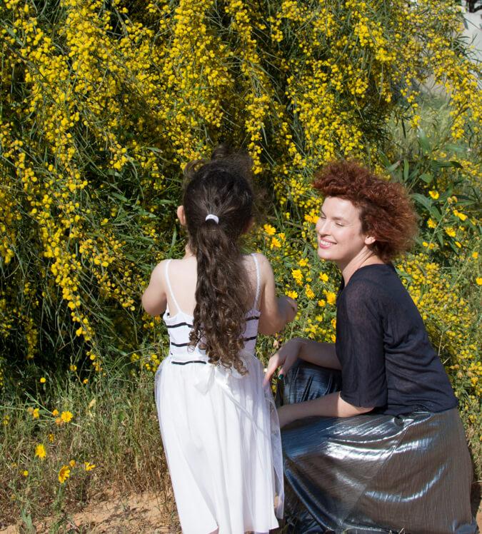 שמלות אביביות
