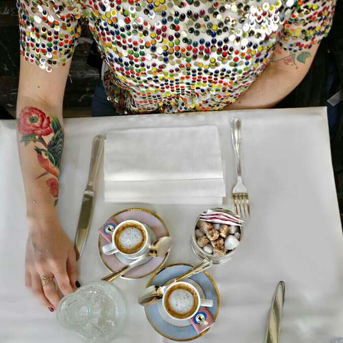 בית הקפה לאדורה