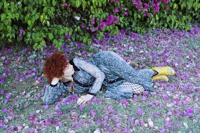 אישה נחה