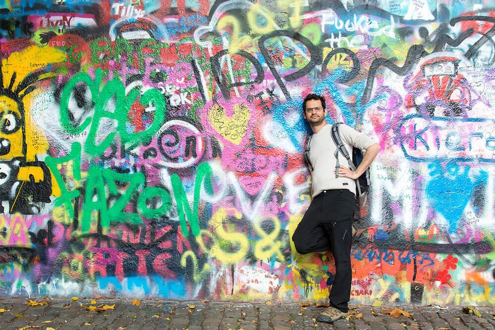 מה לעשות בפראג הקיר של ג'ון לנון