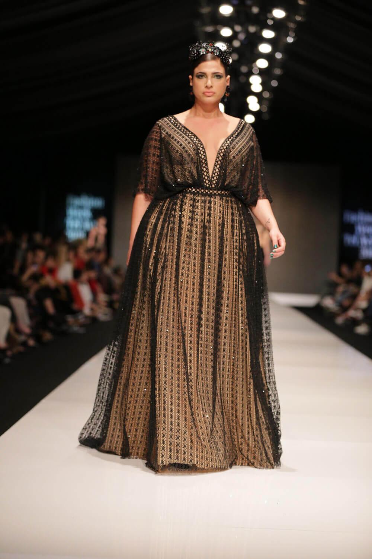 שמלת ערב שחורה של דרור קונטנטו