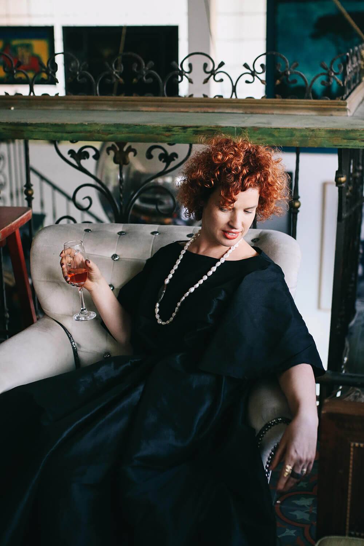 שמלת ערב שחורה מבד טאפט