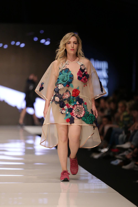 סטודנט לעיצוב אופנה
