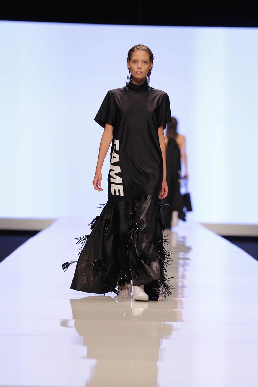 שמלה בעיצוב mews