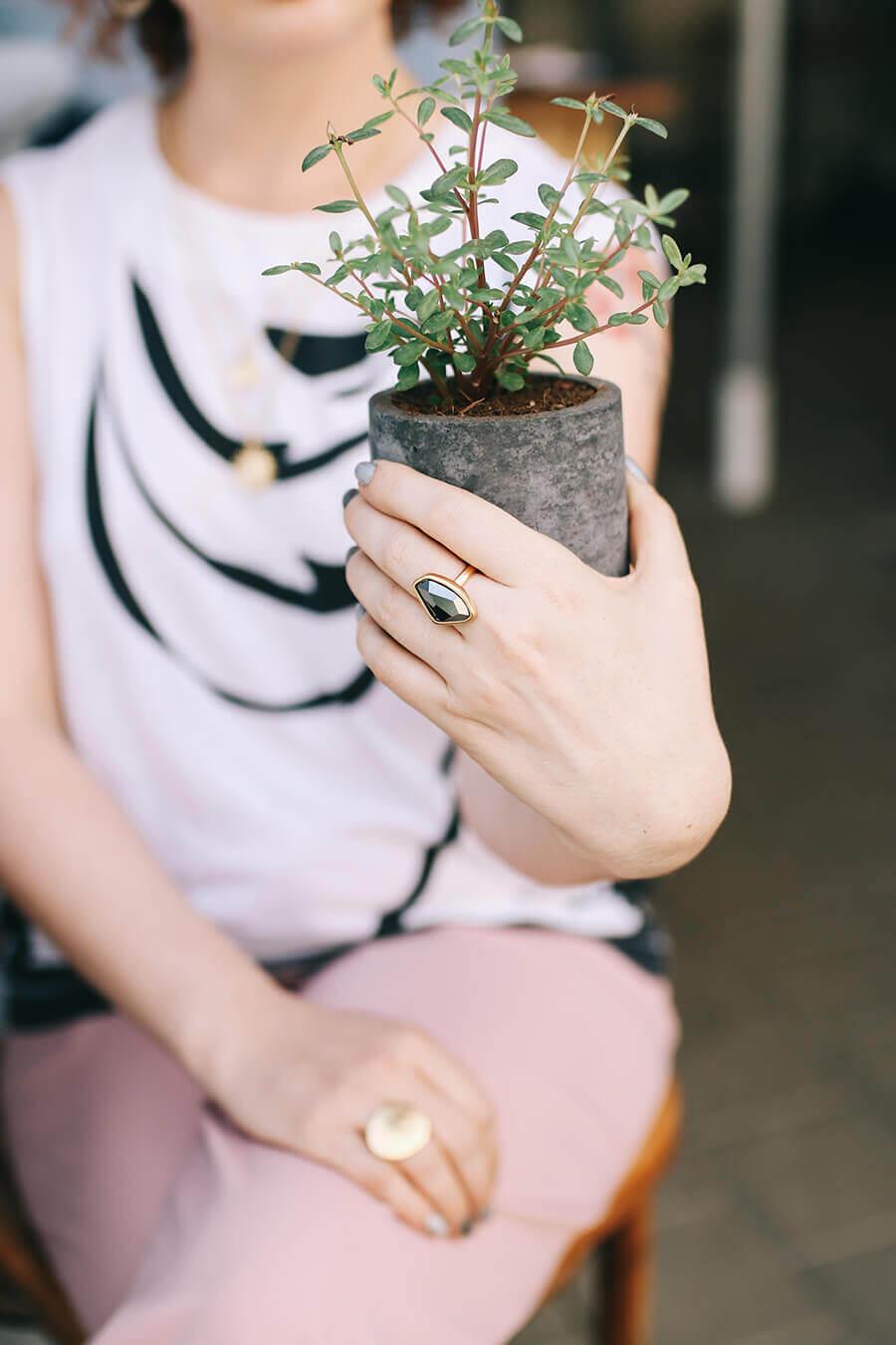 טבעת אבן של דנון תכשיטים
