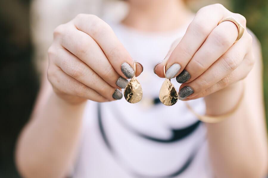 עגילים של דנון תכשיטים