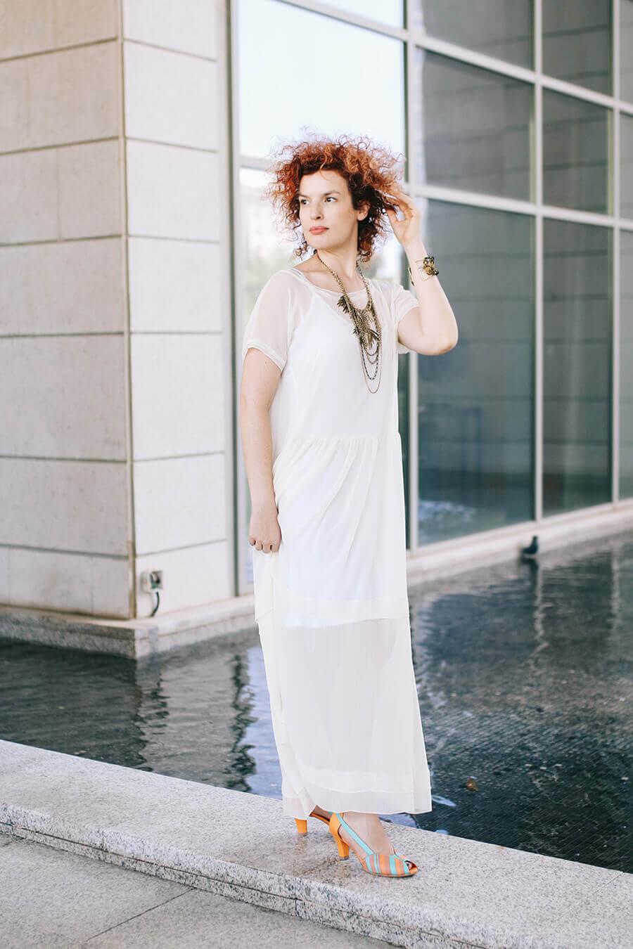 שמלה לבנה שמלת כלה