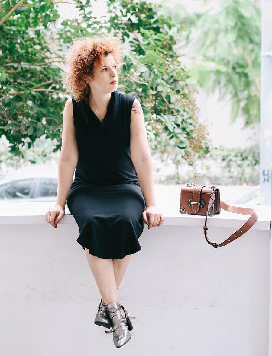 שמלה שחורה קלאסית