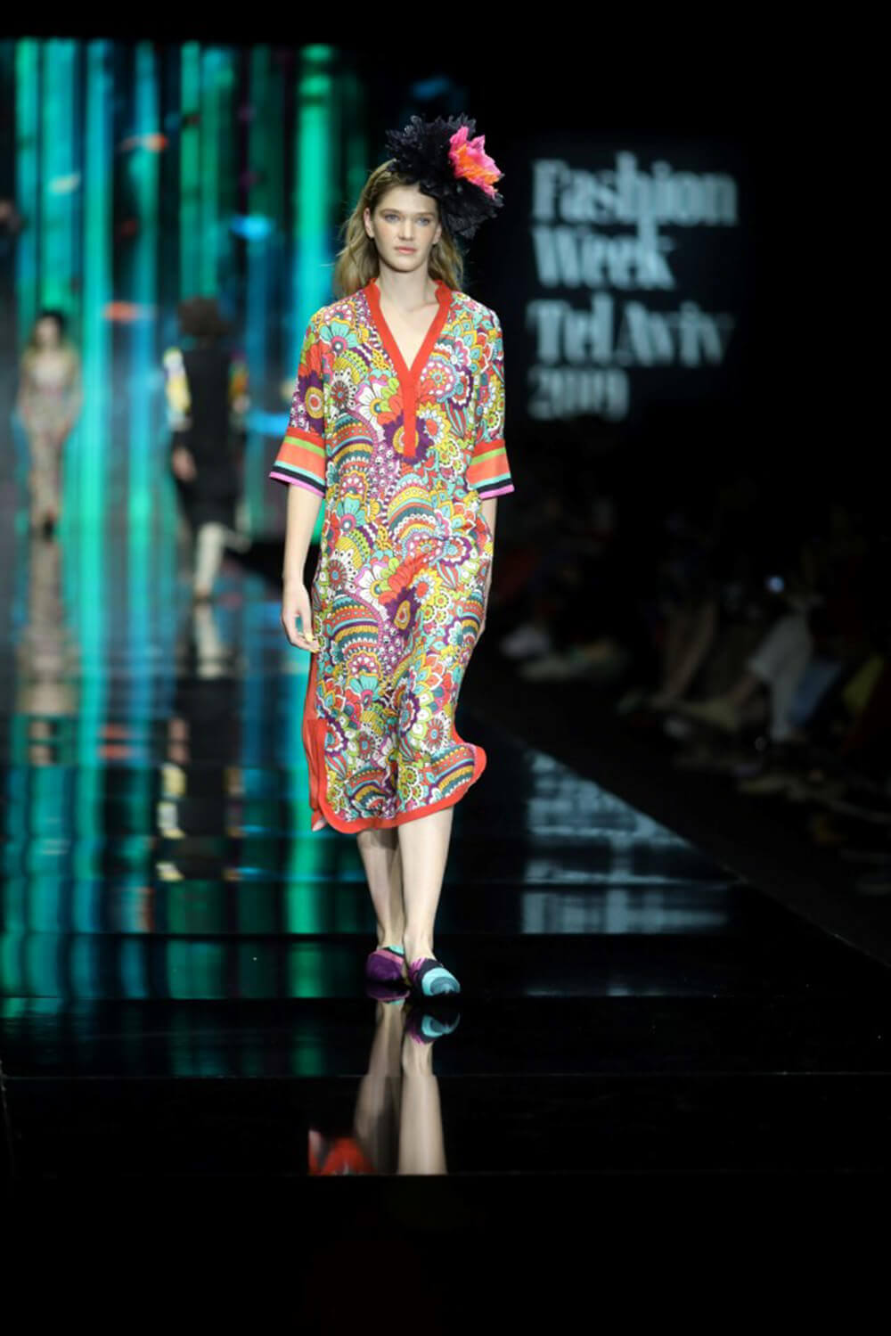 דוגמנית בשבוע האופנה 2019