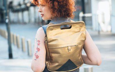 שובר למימוש בדוכן של מעצבת התיקים ACINOAM ביריד האופנה הדרסקוד