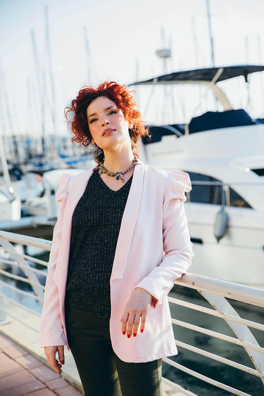 ממשבר להזדמנות - האישה שהפכה בתקופת הקורונה מסוכנת נסיעות למעצבת תכשיטים