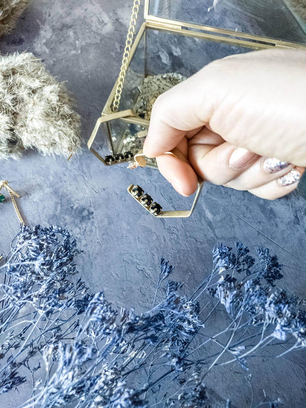 עגילי חישוק בציפוי זהב של Dario`s